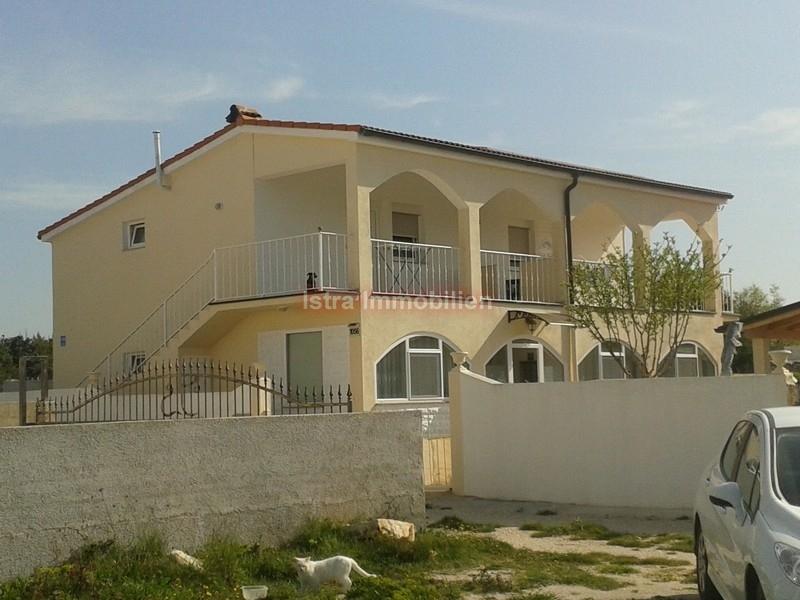 Fažana-samostojeća kuća pr + 1.kat