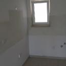 Novi stan na drugom katu izvrsne kvalitete i pozicije.